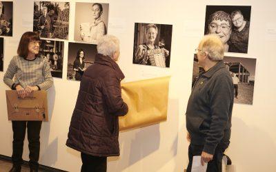 25/01/2020 'Gent de Concabella' expone los retratos de 46 vecinos de la población