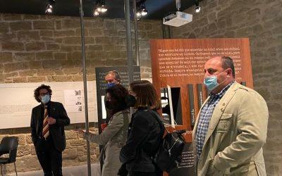 11/05/2021 El director de la Institució de les Lletres Catalanes visita el Espai Pedrolo